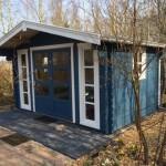Blokhut in Zweedsblauw